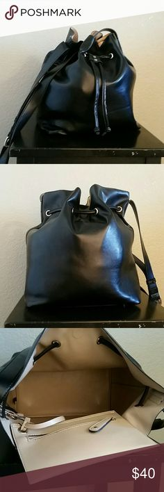 Sole Society bucket bag Sole Society bucket bag, attached small wristlet inside, EUC, purse, tote, Nordstrom Sole Society Bags Shoulder Bags