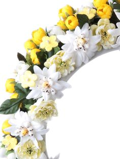 Blumenhaarband, Blumenkranz, Hair, Frisur,  Haarreifen - Gelb, Grün und Weiß leuchten die Blüten.