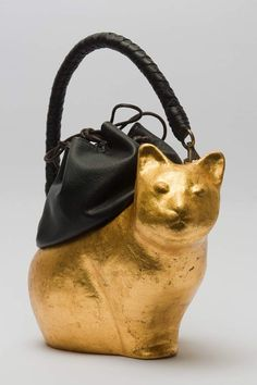 Gold Cat Bag by Coshell. Someday Over The Rainbow, Kate Spade Necklace, Cat Bag, Cat Jewelry, Casual Bags, Leather Men, Purses, My Style, Clutches