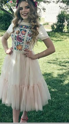 SO CUTE Pretty Outfits, Pretty Dresses, Beautiful Dresses, Cute Outfits, Mexican Outfit, Mexican Dresses, Casual Dresses, Prom Dresses, Formal Dresses