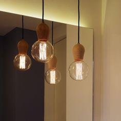 Glühbirne als Leuchte, Fassung aus Holz Bright Sprout von Nordic Tales