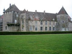 Château d'epoisses - Bing Images Castles, Bing Images, Mansions, House Styles, Places, Life, Mansion Houses, Lugares, Manor Houses