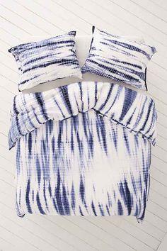 Shop Shibori Streak Jersey Duvet Cover at Urban Outfitters today. Tie Dye Bedding, Boho Bedding, Bedding Sets, Luxury Bedding, Unique Bedding, Diy Tie Dye Sheets, Ruffle Duvet, Cotton Duvet, Cotton Silk