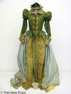 Viola (Gwyneth Paltrow), Riding dress from Shakespeare in Love.