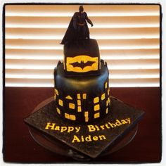 Bat Buns Batman Darkknight Cake Bun Cooking The Dark - Dark knight birthday cake