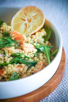 Is raw food diet healthy? What do raw fooders eat, what is raw food diet plan. Feel vibrant and healthy by eating a raw food diet for weight loss. Raw Food Recipes, Salad Recipes, Diet Recipes, Healthy Recipes, Easy Recipes, Healthy Food, Risotto, Feel Good Food, I Love Food