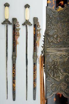 A rare and fine pair of ceremonial swords (Kiêm), Vietnam, Century - Alain. Vietnam, Crane, Tibet, Martial Arts Weapons, Armor Concept, Dragons, Katana, Floral Motif, Chinese Art