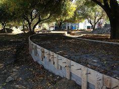 El municipio de San Pedro Garza García, en la zona metropolitana de Monterrey se vió envuelto en una controversia a raíz de una obra de urbanismo atroz: un muro de concreto que atravesaría Calzada San Pedro.