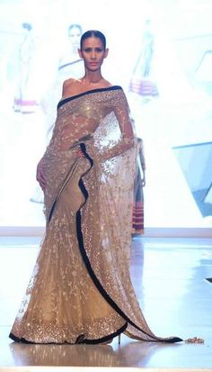 Manish Malhotra-- Posibly my waleema sari India Fashion, Asian Fashion, Indian Dresses, Indian Outfits, Eid Outfits, Eid Dresses, Moda Vintage, Desi Clothes, Indian Clothes