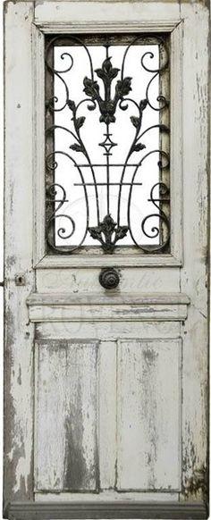 uma porta bem comum, porém, muito bonita