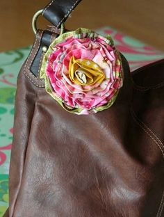 This scrappy strip rose is the perfect scrapbusting project and after making one you won't be able to stop. This sewing project is quick and easy and fabri
