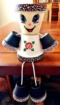 Idea Of Making Plant Pots At Home // Flower Pots From Cement Marbles // Home Decoration Ideas – Top Soop Clay Pot Projects, Clay Pot Crafts, Diy Clay, Easy Crafts, Diy And Crafts, Clay Flower Pots, Flower Pot Crafts, Ceramic Flower Pots, Flower Pot People