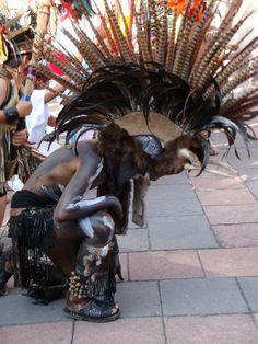 Aztec Dance, Dance of Tradition, Nahuatl. My beautiful Mexico, mi hermoso Mexico como te quiero!