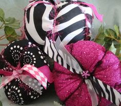 Items similar to Fall Fabric Pumpkin Set in pink and black zebra on Etsy Pink Halloween, Halloween Pumpkins, Halloween Crafts, Halloween Ideas, Monster High Party, Fabric Pumpkins, Favorite Holiday, 4th Of July Wreath, Fall