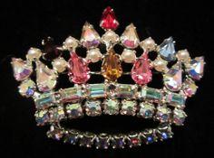 "Striking Vintage 2"" Silver Tone Prong Set Rhinestone Faux Pearl Crown Brooch A29"