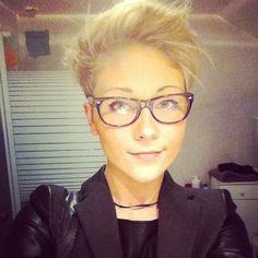 Dames met bril opgelet… 33 trendy korte kapsels met modellen die allemaal een…