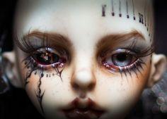 beautifulcheapbjd: marlequeen: Dollzone Leon marlequeen Creator: Marlequeen Source: Tumblr Flickr Deviantart Sculpt: Doll-zone Leon Mods: Faceup and body blushing by Marlequeen. Steampunk urethane eye by Headologist.