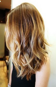 "In my post ""ombre"" I was sharing an inspirational hair pictures. And today I want to share the new hot hair trend Balayage.Balayage is a hair coloring technique designed to create very natural-looking highlights that grow Best Long Haircuts, Thin Hair Haircuts, Cool Haircuts, Cool Hairstyles, Hairstyles 2018, Hairstyle Ideas, Layered Hairstyles, Medium Long Haircuts, Mid Length Haircuts"