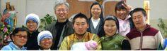 A troca de roupa para o banquete: O Bispo da Mongólia, com nome espanhol: «Só os pob...