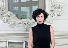 Eventmanagerin Hannah Neunteufel schenkte Wien das Vienna Ballhaus: eine behutsam renovierte Biedermeier-Location mit grünem Innenhof für maßgeschneiderte Feste.