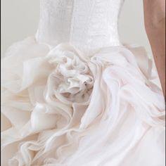 The fine details ❤️ #wedding #weddinggown #weddingdress #weddingfashion #inspiration #weddinginspiration #details #finedetails #belt #flowers #bling #swarvoski #swarvoskicrystals #lace #AustralianDesigner #madeinaustralia #madewithlove #beautiful #love