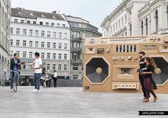 Eye-Catching 'Ghettoblaster' in Zürich // Draftfcb/Lowe Group | Afflante.com