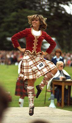 Eighties fling! Celtic Dance, Irish Dance, Scottish Highland Dance, Scottish Highlands, Tartan, Plaid, Everybody Dance Now, Scottish Fashion, Country Dance