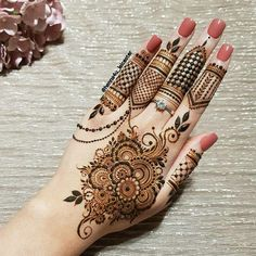 Mehndi is used for decorating hands of women during their marriage, Teej, Karva Chauth. Here are latest mehndi designs that are trending in the world. Henna Hand Designs, Dulhan Mehndi Designs, Henna Tattoo Designs Arm, Pretty Henna Designs, Mehndi Designs Finger, Khafif Mehndi Design, Floral Henna Designs, Mehndi Designs For Girls, Tatto Design