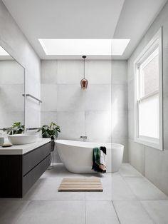 Minimal Bathroom, Modern Master Bathroom, Modern Bathroom Design, Bathroom Interior Design, Master Bathrooms, Bathroom Mirrors, Bathroom Cabinets, Dream Bathrooms, Farmhouse Bathrooms