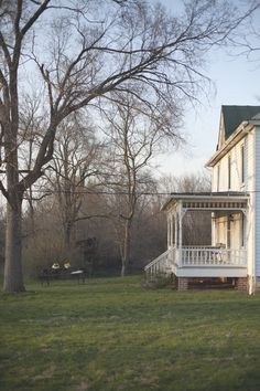 a daily something: An Evening at a VA Farmhouse
