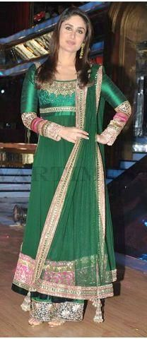 Bollywood actress Kareena Kapoor looked very pretty in green anarkali dress at Jhalak Dikhla jaa show. Kameez is build of georgette fabric in green co Designer Salwar Kameez, Designer Anarkali, Anarkali Dress, Anarkali Suits, Pakistani Dresses, Indian Dresses, Indian Outfits, Long Anarkali, Anarkali Churidar