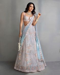 Bollywood Fashion 167899892346844481 - Kiara Advani Chose The Perfect Patel Lehenga For Armaan Jain's Wedding – HungryBoo Source by BlueRoseJuliet Indian Bridesmaid Dresses, Indian Bridal Outfits, Indian Fashion Dresses, Dress Indian Style, Indian Designer Outfits, Designer Dresses, Indian Designers, Pakistani Outfits, Fashion Outfits