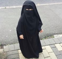 the Beauty of Hijab (+Niqab) little girl wearing the Niqab ما شاء الله