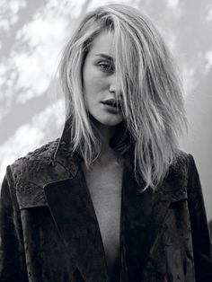 Latest photos for Rosie Huntington Whiteley - Interview Magazine 2015 Cameron Diaz, Hair Inspo, Hair Inspiration, Fashion Inspiration, Hair Dos, Your Hair, Fashion Gone Rouge, Rosie Huntington Whiteley, Good Hair Day