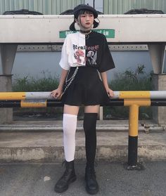 Best Edgy Outfits Part 1 Grunge Outfits, Edgy Outfits, Korean Outfits, Mode Outfits, Grunge Fashion, Cute Fashion, Look Fashion, Pretty Outfits, Fashion Outfits