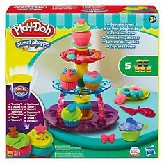 #Knete kann man so toll zu Gebäck formen. Knet-Muffins zum Beispiel sehen auf dem Play-Doh Törtchen-Turm von HASBRO besonders schön aus.