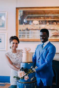 Elegant blue wedding cake by Elizabeth's Cake Emporium  Styling by Nulyweds, Photo by Anne Schwarz