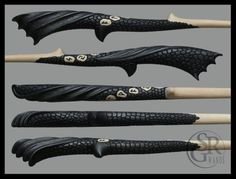 Dragon wand ''Dracarys'' Details by SRG-Wands on DeviantArt Harry Potter Dragon, Harry Potter Wand, Joanne K Rowling, Wooden Wand, Wizard Wand, Fantasy Weapons, Fantasy Inspiration, Gravure, Hogwarts