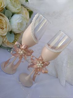 Wedding Glasses, Wedding Invitations, Ih, Hobbies, Cups, Handmade, Crafts, Weddings, Bottle