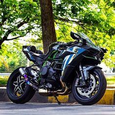 Kawasaki H2 - www.facebook.com/GarvsMeanMachine
