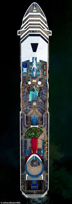 The Carnival Victory...