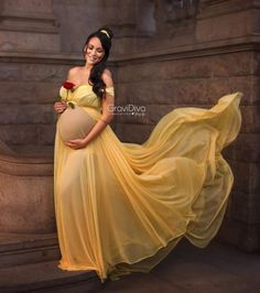 Maternity Photography Poses, Baby Girl Photography, Maternity Poses, Maternity Pictures, Green Maternity Dresses, Maternity Dresses For Photoshoot, Cute Maternity Outfits, Disney Maternity, Maternity Nursing Dress