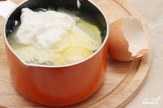 Domácí sýr s bylinkami | NejRecept.cz Fondue, Pudding, Cheese, Ethnic Recipes, Desserts, Tailgate Desserts, Deserts, Puddings, Dessert