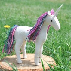 Sew your own felt horse or unicorn with this easy to follow pattern.