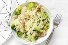 Brokkolis -csirkés rizstészta I Foods, Cabbage, Paleo, Vegetables, Tej, Recipes, Blog, Recipies, Cabbages