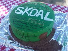 Skoal Chew Can Cake! I've got to make this for Justin for his birthday!!! :)