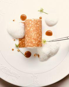 Millefeuille Recipe, Dessert Chef, Michelin Star Food, Fancy Desserts, Plated Desserts, Food Presentation, Food Plating, Food Art, Food Inspiration