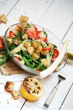 Behyflora - food lifestyle photography: {Gesund & Lecker} Erdbeer-Spargelsalat mit Rucola