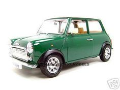 1969 Old Mini Cooper Diecast Model Green 1/18 Die Cast Car By Bburago