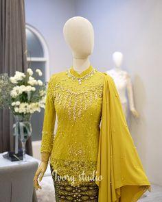Hijab Gown, Kebaya Hijab, Hijab Dress Party, Hijab Style Dress, Kebaya Muslim, Kebaya Lace, Batik Kebaya, Kebaya Dress, Muslim Fashion
